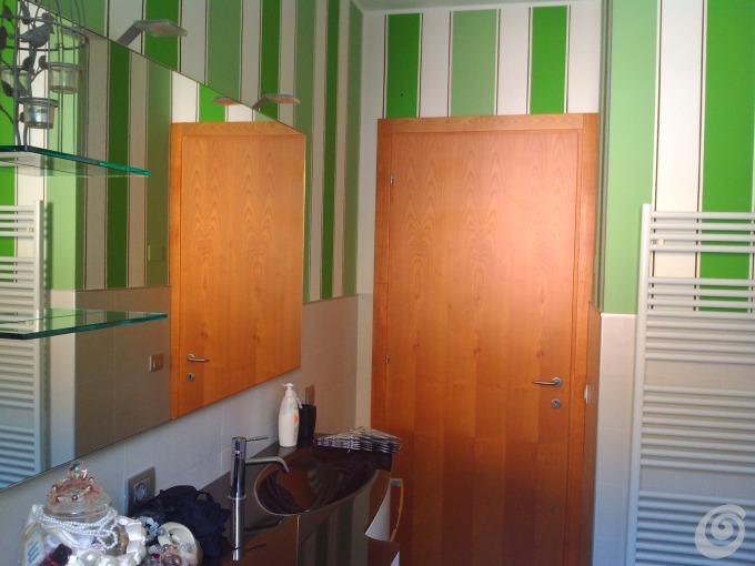 Idee per decorare un bagno casa e trend - Imbiancare il bagno ...