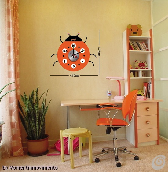 Idee arredo camerette orologi adesivi colorati per le for Orologi arredo