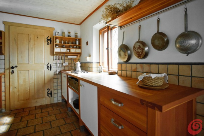Cucina rustica in una casa di montagna casa e trend for Cucine di montagna