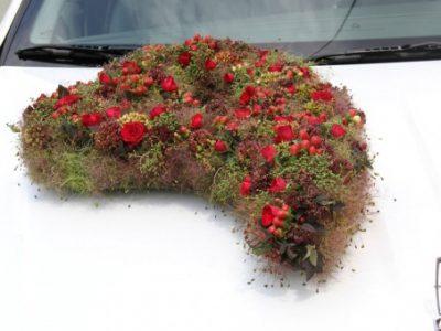 La decorazione floreale per la macchina