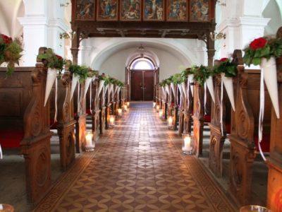La chiesa decorata