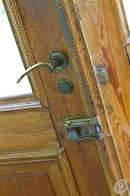 Porte e maniglie antiche per la casa di campagna casa e trend - Maniglie per porte interne classiche ...