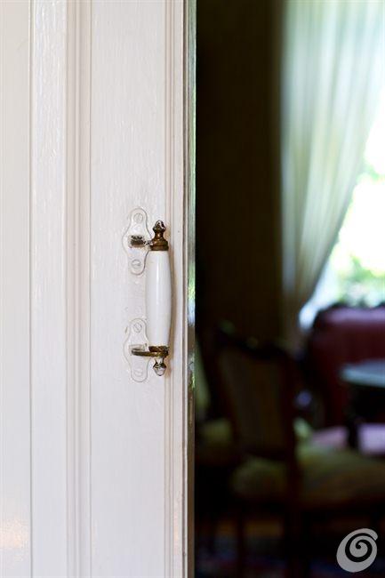 Maniglie In Ceramica Per Porte Interne.Porte E Maniglie Antiche Per La Casa Di Campagna Casa E Trend